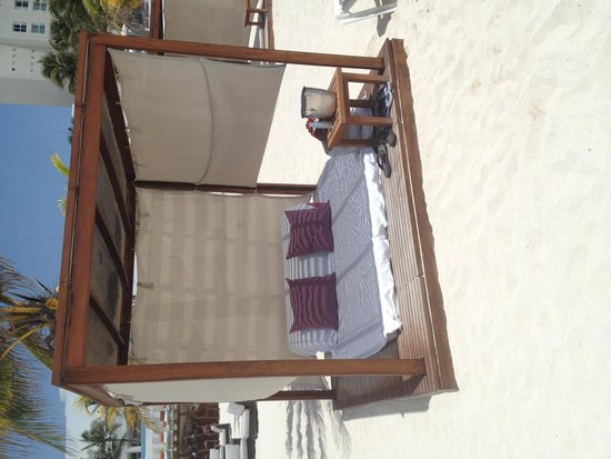 Le Blanc Spa Resort: Our Cabana on the beach
