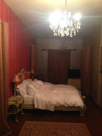 Lokanga Boutique Hotel : Bed
