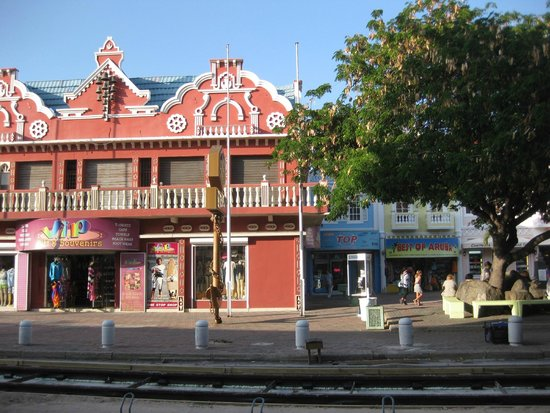 Renaissance Aruba Resort & Casino: Nearby downtown area