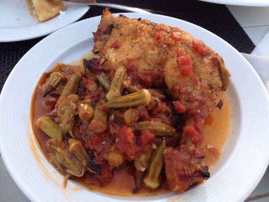 To Petrino : Pollo con salsa di okra