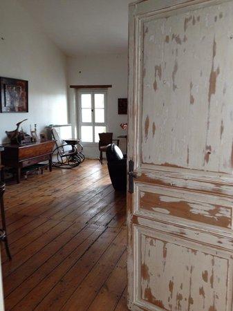 La Rive : deuxieme étage, salle TV salon