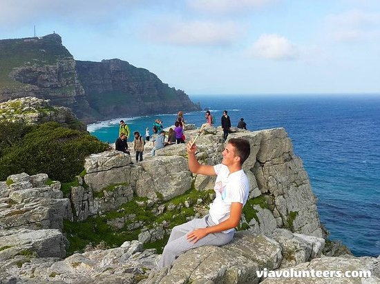 Baz Bus - Day Tours: Catching a 'selfie' at the Cape of Good Hope
