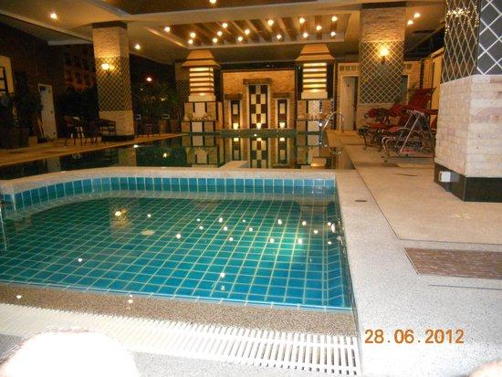 KTK Royal Residence: Закрытый бассейн