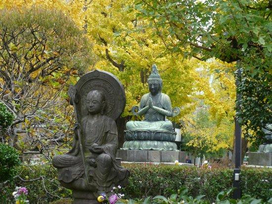 Asakusa : Buddha statue