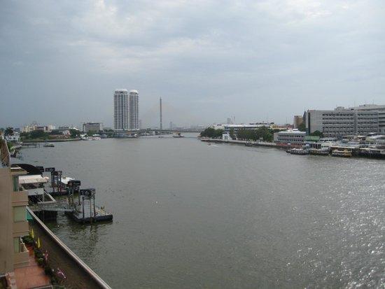 Baan Wanglang Riverside: Blick nach links vom Balkon aus
