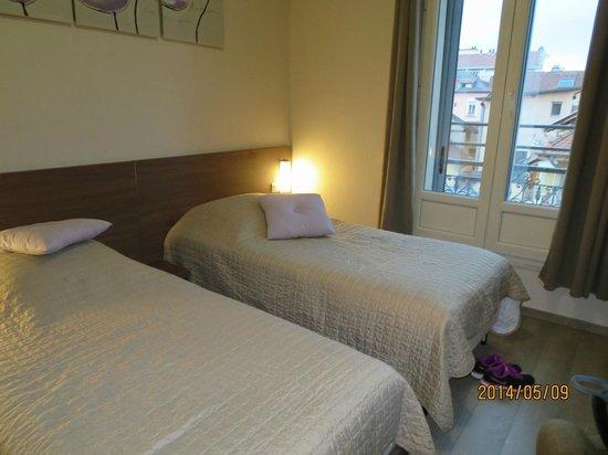 Atipik Hôtel Alexandra : ツインベッドルーム