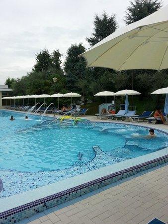 Hotel Terme Metropole : una delle 5 piscine con idromassaggi