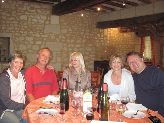 Saint-Macaire-du-Bois, Francia: Wine and lunch with Pierre