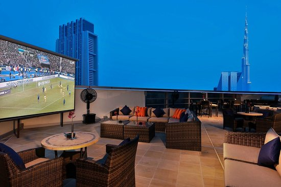 Zephyr rooftop loung picture of carlton downtown hotel for Tripadvisor dubai hotels