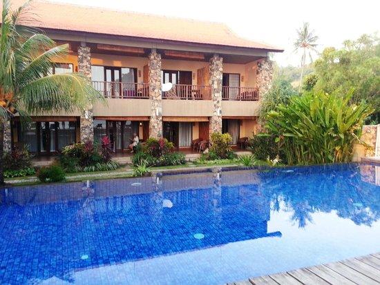 Sunset House Lombok: Pool