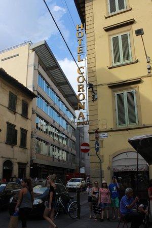 Hotel Corona D'Italia: Outside
