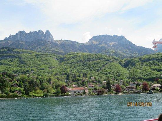 Compagnie des Bateaux du Lac d'Annecy : アヌシー湖より