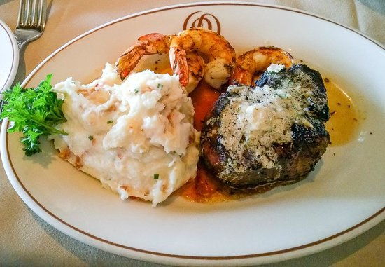 Daniel's Broiler : Filet, Shrimp & Lobster Mash Potatoes