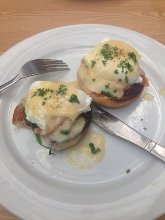 The Plan Cafe: Eggs florentine with smoked salmon and spinach.