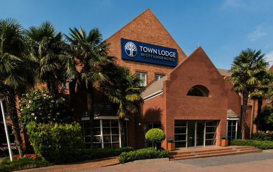 Town Lodge Sandton-Grayston Drive: Exterior