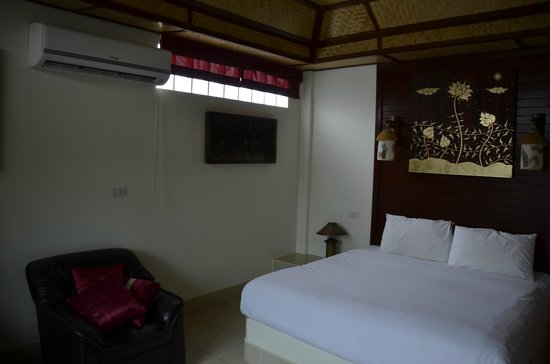 Friendship Beach Resort & Atmanjai Wellness Centre : chambre