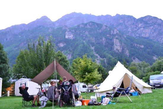 Ferme Noemie Campground : Gezellig samen eten