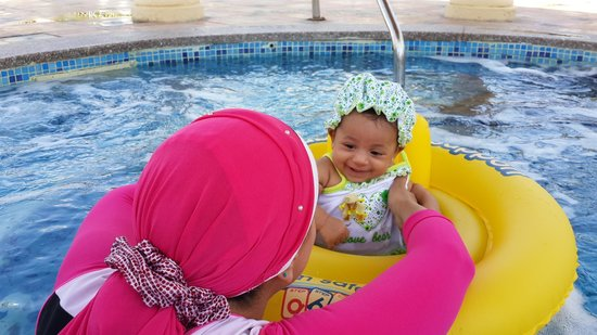 Hyatt Regency Sharm El Sheikh Resort : baby Sila enjoying her first swim