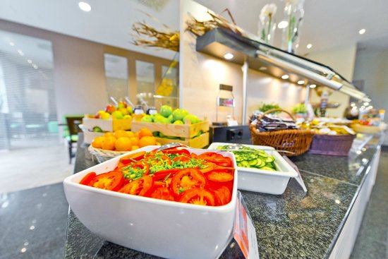 Holiday Inn Express Frankfurt-Messe: Get an Express Start with our complimentary breakfast