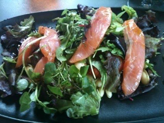 La Villa Margot: salade saumon