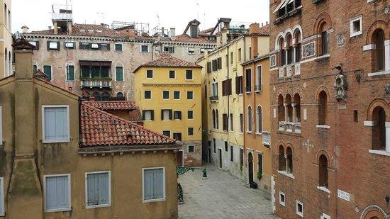 NH Collection Venezia Palazzo Barocci: Vista de la habitacion 607