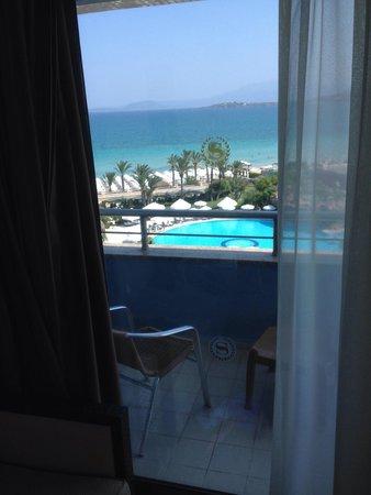 Sheraton Cesme Hotel Resort & Spa : Beautiful View, horrible furniture.