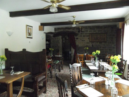 The Jug & Glass Inn: The dining room - excellent food
