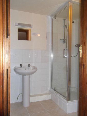 The Jug & Glass Inn: New bathroom just fitted