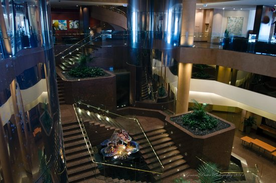 InterContinental Adelaide: beautiful decor in the lobby