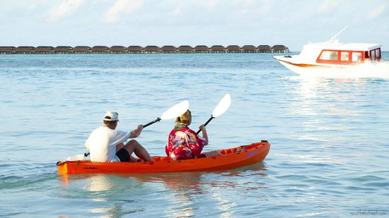 Bibee Maldives: Canoe ride