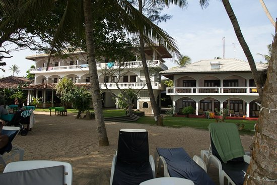 Sri Gemunu Beach Resort : hotel