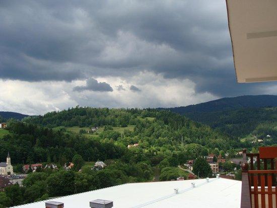 Hotel Golebiewski: Widok z balkonu - pogoda fatalna!