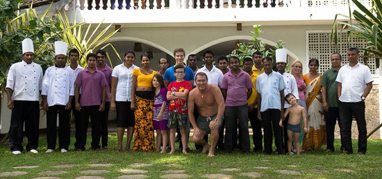 Sri Gemunu Beach Resort : Patrons et personnel de l'hotel