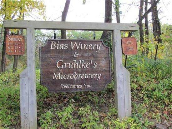 Berger, MO: Bias Vineyards and Winery