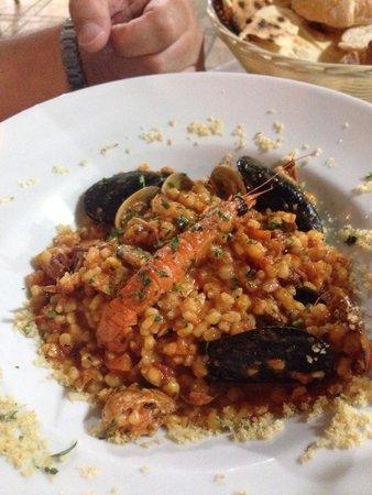 Il Nuovo Gabbiano: Fregola con pesce : buonissima ! Il piatto migliore provato in questo locale