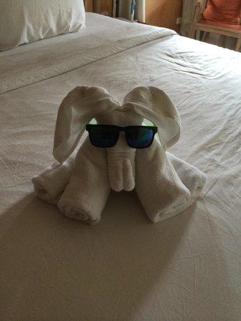 Mercure Samui Chaweng Tana Hotel: Housekeeping with sense of humour