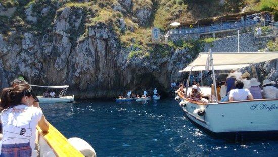 Blaue Grotte (Grotta Azzurra): In coda per entrare