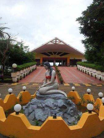 Puri - Golden Sands, A Sterling Holidays Resort: resort entrance
