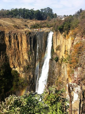 Howick Falls: 91m plunge to the bottom