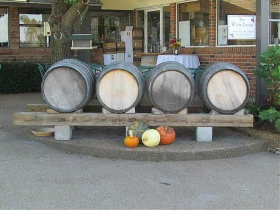 Les Bourgeois Winery and Bistro