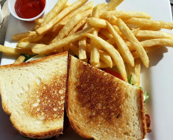 Dock Shack: BLT with fries.