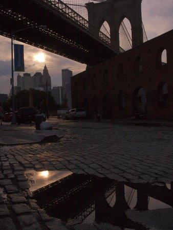 Manhattan Skyline: brooklin bridge al tramonto