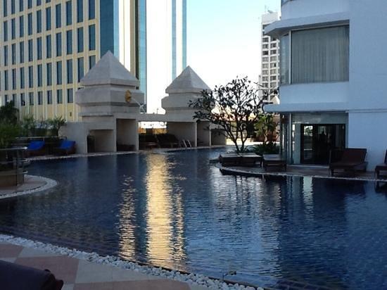 Duangtawan Hotel Chiang Mai : pool