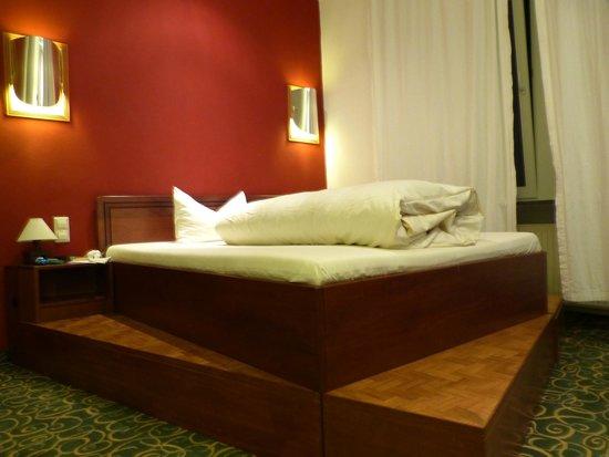 Hotel Monpti: Gaestezimmer