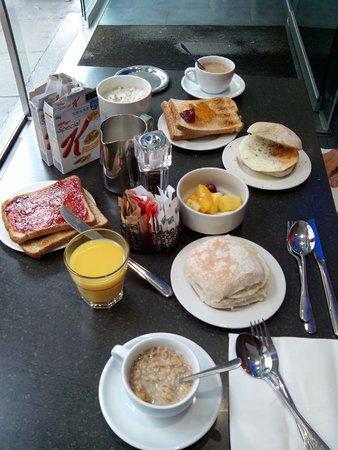 Z Hotel Liverpool: Desayuno