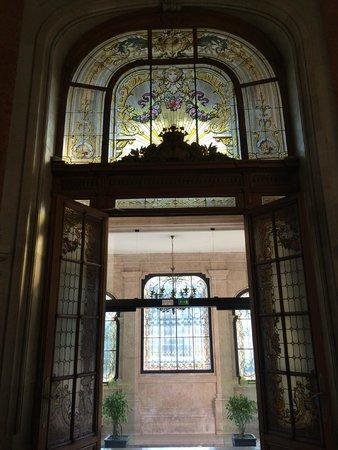 Pestana Palace Lisboa Hotel & National Monument : Vitraux grande porte d'entrée