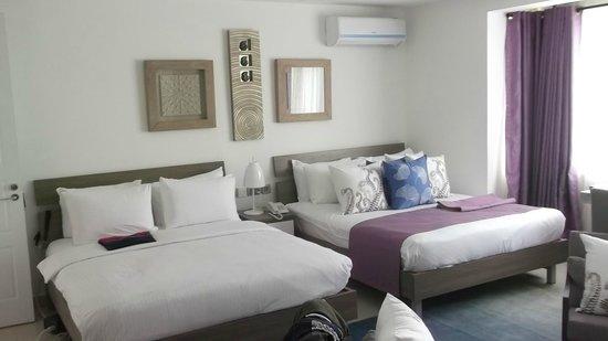 Leopard Beach Resort & Spa : Slaapkamer met twee éénpersoons(?)bedden