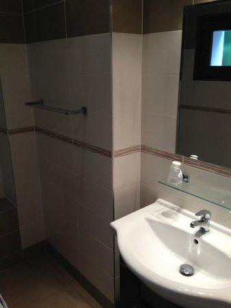 La Sapiniere : Bathroom