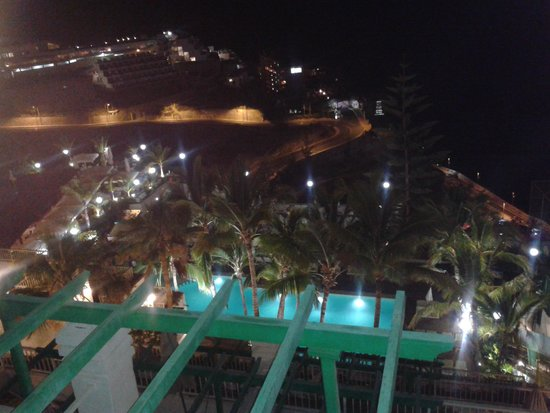 Hotel Altamar : appartment view at night