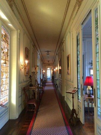 Pestana Palace Lisboa Hotel & National Monument: couloir vers le bar et le restaurant